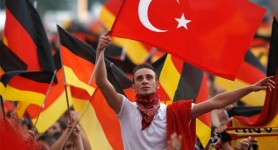 Turkish immigrants leaving Germany